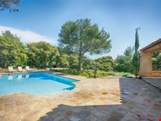 Photo of Family-Friendly Villa Near Isle-sur-la-Sorgue in Provence